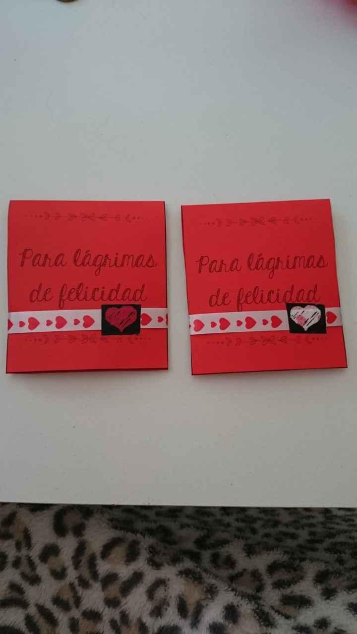 Pañuelos para lágrimas de felicidad - 1