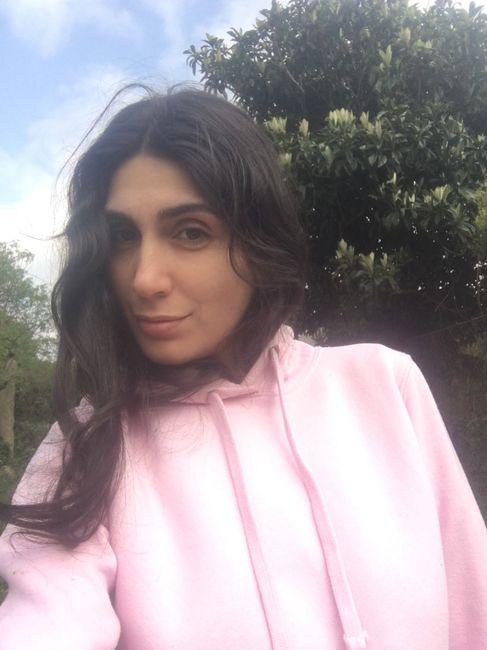 La cuarentena de Laura: Hacerse el selfie perfecto 📸 - 1