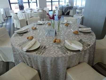 Mantelería y centros de mesa Retamares