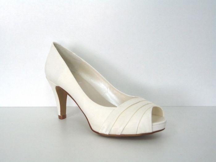 las novias de vigo que estais buscando zapatos, os interesa
