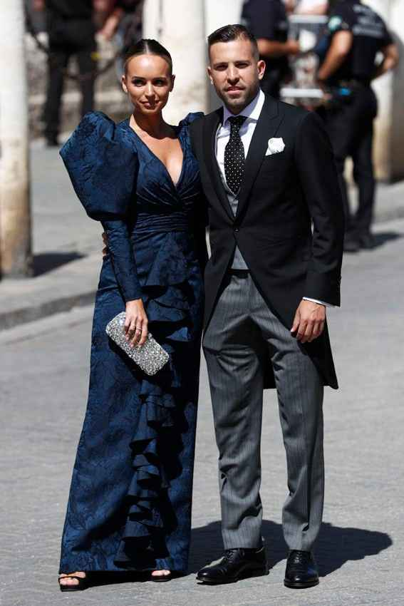 El blaugrana Jordi Alba y su pareja Romarey Ventura