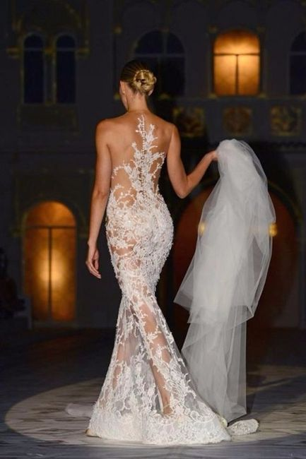 vestidos de novia con efecto tatuaje: ¿fan o no fan? - moda nupcial