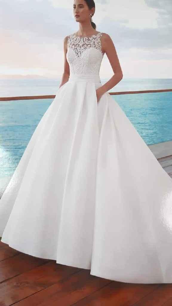 De quien es este vestido? - 1