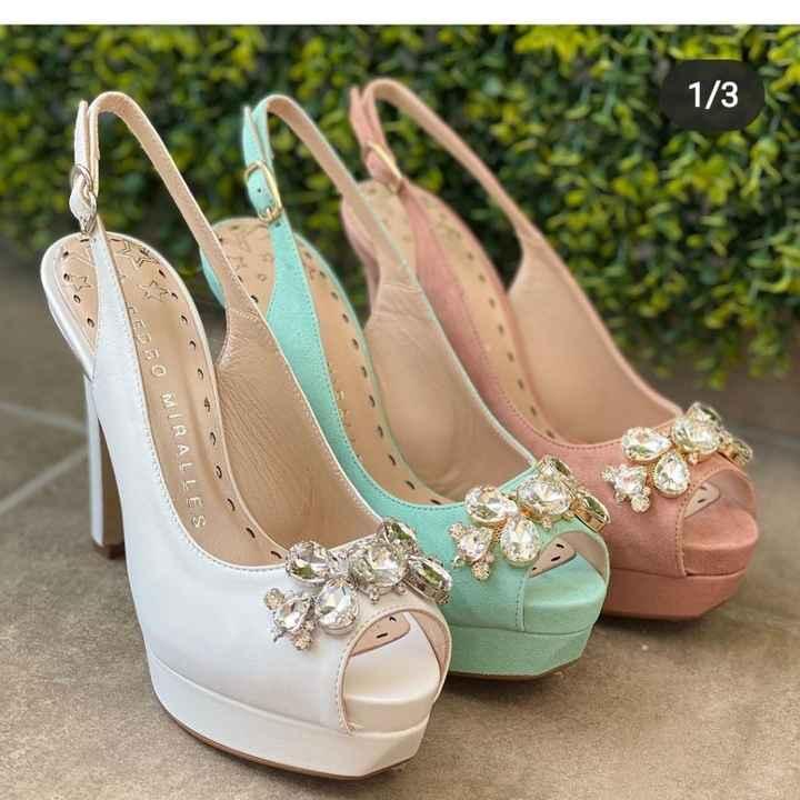 Zapatos con adorno, ¿se engancharán? - 2