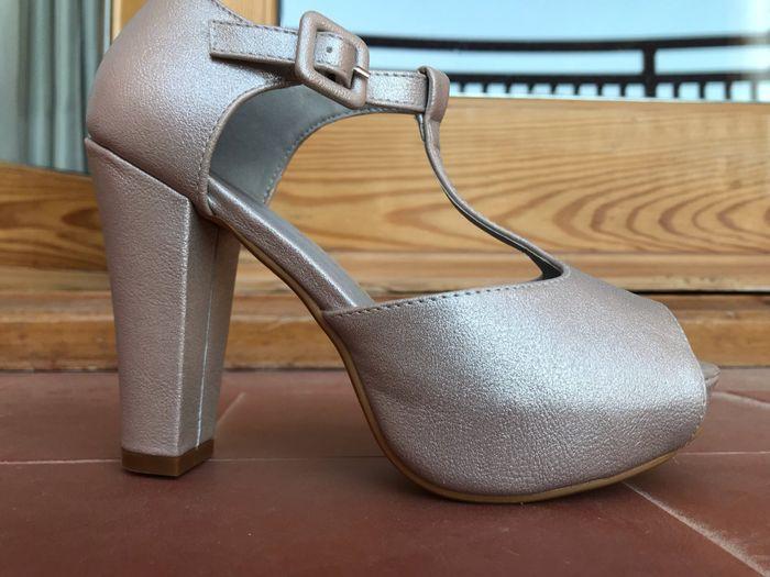 Vuestros zapatos de novia 1