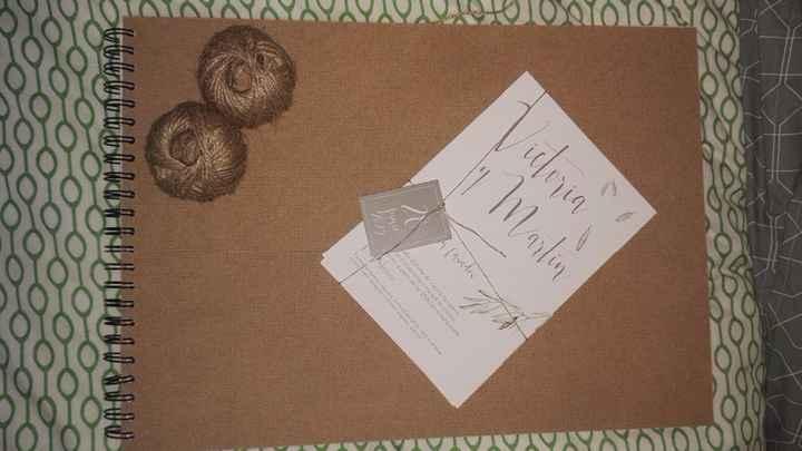 Libro firmas y muestra invitación