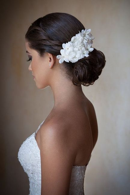 Peinados novia con flores