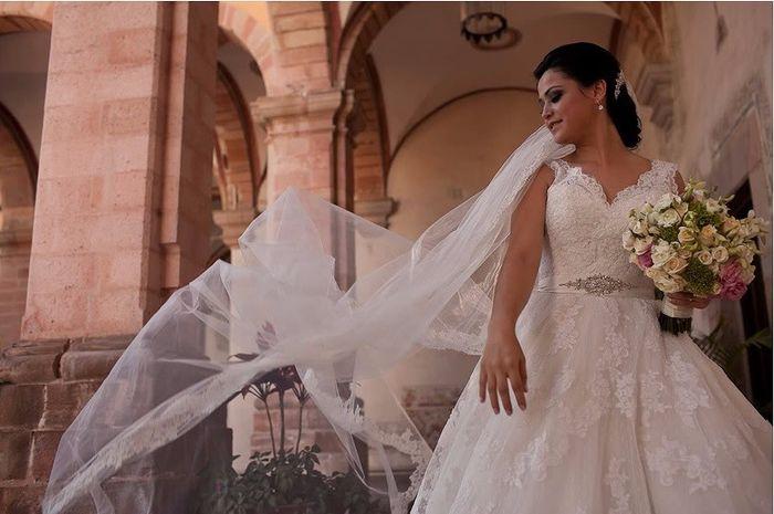 Mariage du monde la robe de mari e mode nuptiale for Robes de mariage du monde de disney