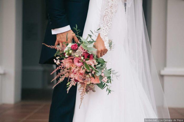 ¿Cuál de estas combinaciones rosas os gusta más para un ramo de novia? 🌸 3