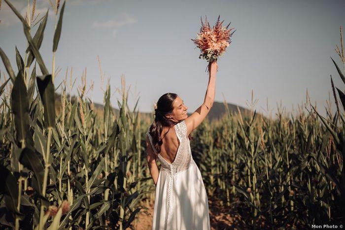 ¡Escoge un vestido y consigue los banderines para tu boda! 🎁 1