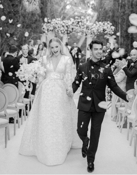 5 parejas famosas que han tenido 2 bodas espectaculares 💍 9