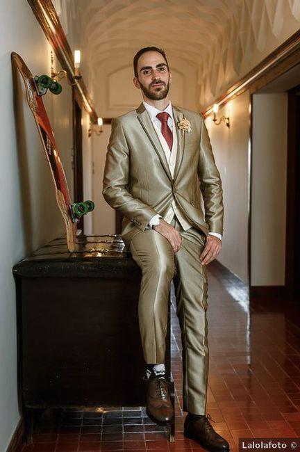 Si tu pareja apareciera en la boda con un color rompedor, ¿te sorprendería? 1