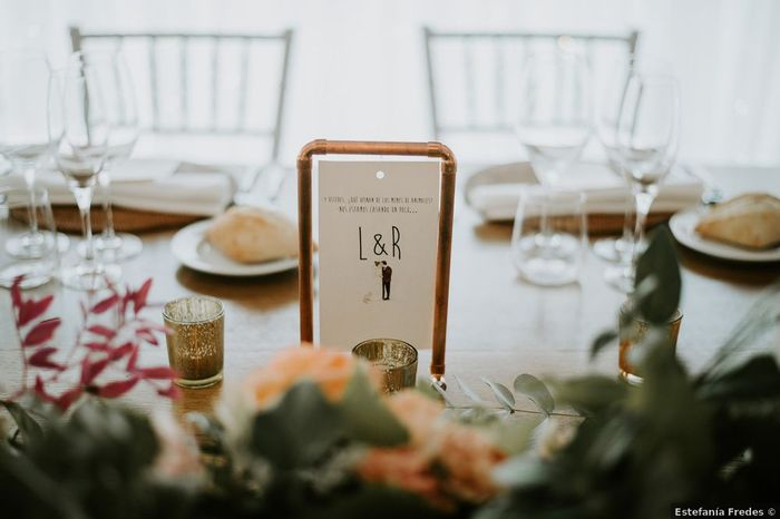 El color cobre como hilo conductor de la decoración de las mesas 🧡 3