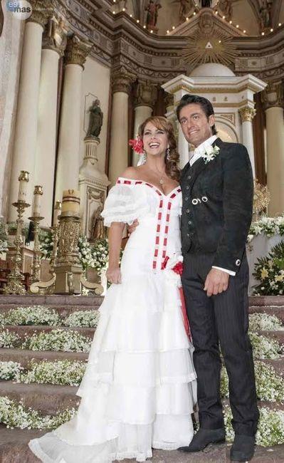 Lucero vestido de novia