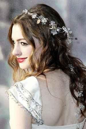 Peinado suelto novia corona 4