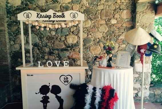 Kissing booth - 1