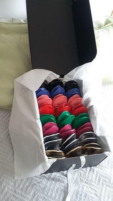 aqui esta el pack con todos los colorines. Vienen en este orden: oro,plata,moraditas, verdes,rojas,r