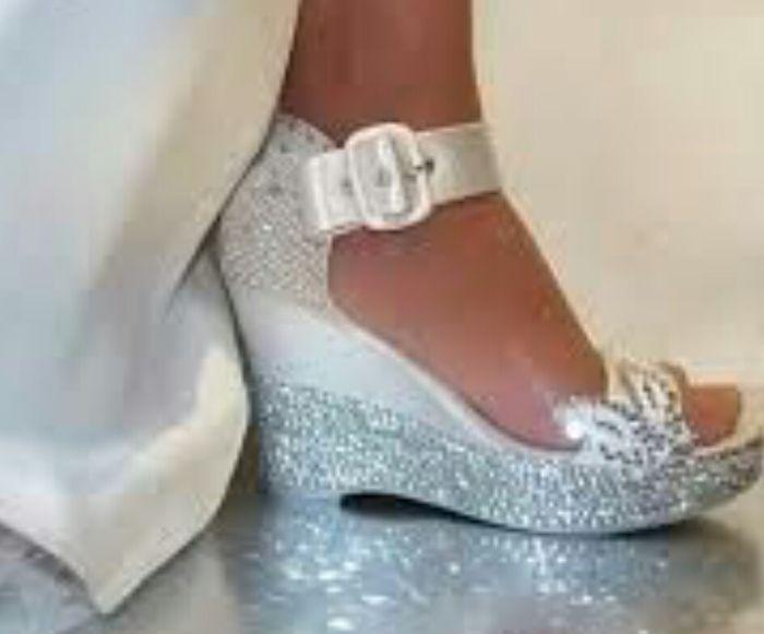 la mejor actitud 44aa7 35a33 Zapatos de cuña para novias que no sean de esparto - Moda ...