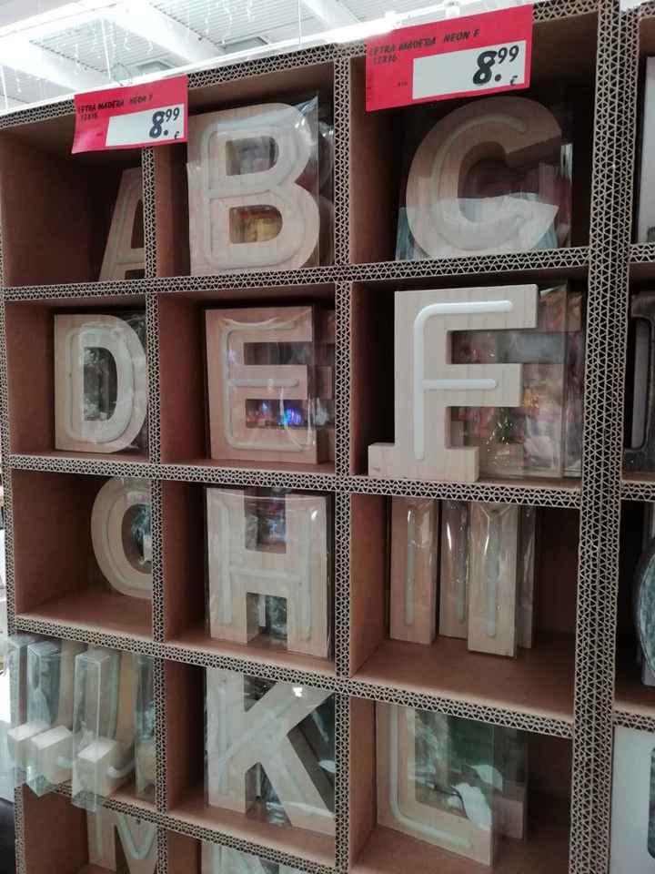 letras madera con luz