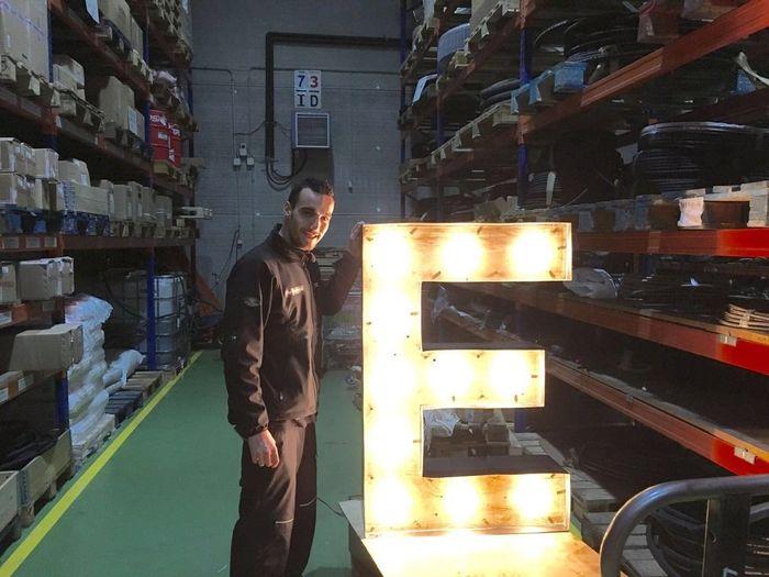 Letras gigantes de madera y con luz - 1