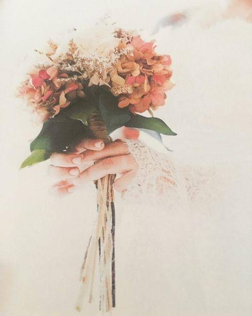 Flores naturales en el pelo - 4