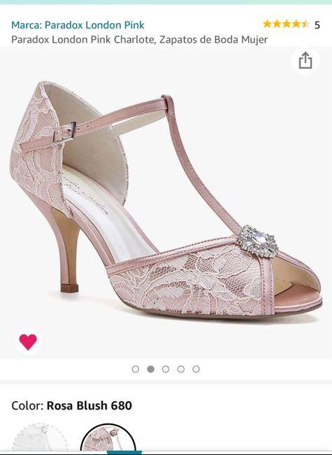 Help! Invitadas con vestido claro y zapatos blancos 1