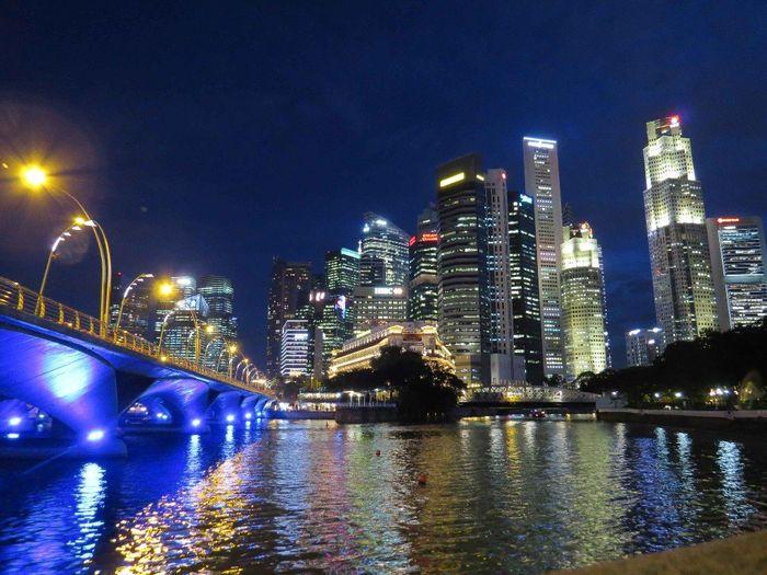 Cande check-in con destino a Singapur e Indonesia 1