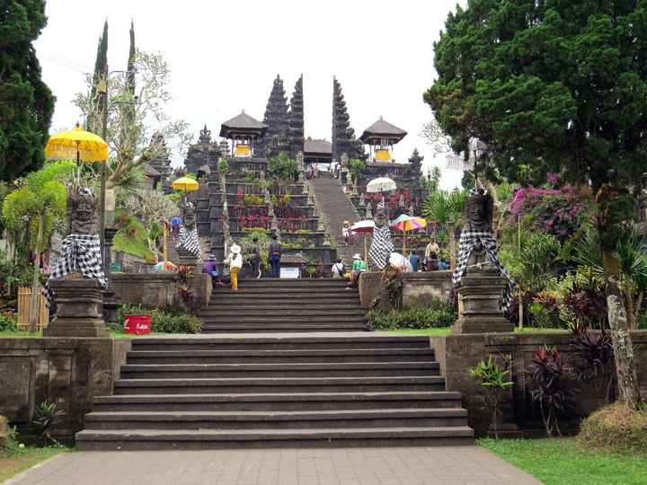 Templo de Besakih (Bali)