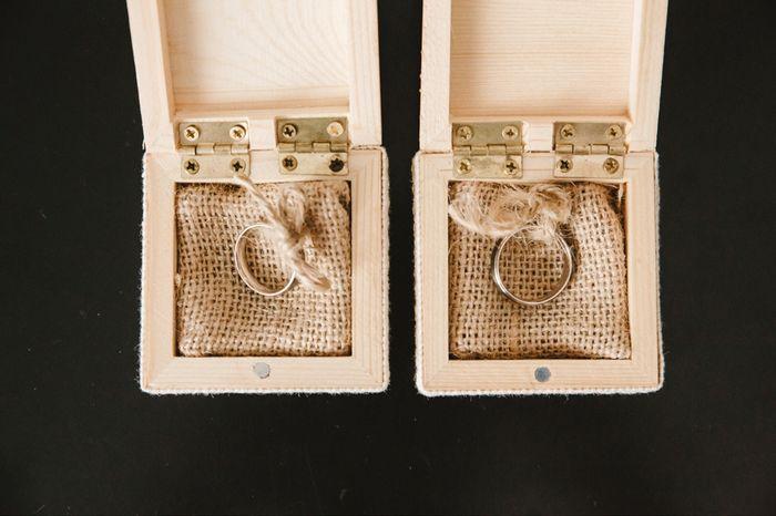 Caja de madera para  anillos - 2