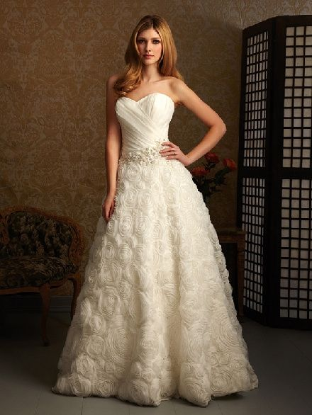 me he comprado el vestido el aliexpress!! 68 euros..envio incluido