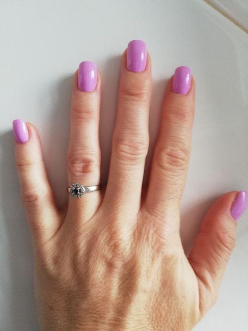 Encuesta rosa: ¿Y las uñas? 1