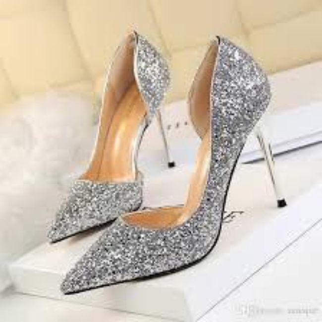 Y los zapatos para esa boda navideña? 9