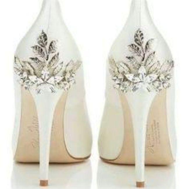 Y los zapatos para esa boda navideña? 18