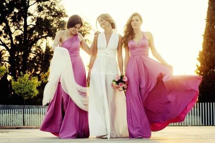 Sus vestidos (rosas)