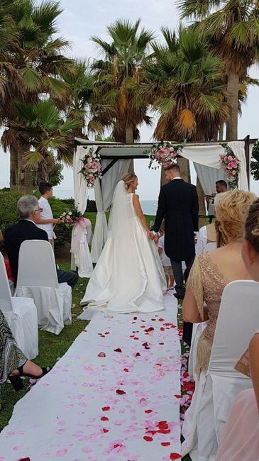 Increiblemente encantada con mi boda - 1