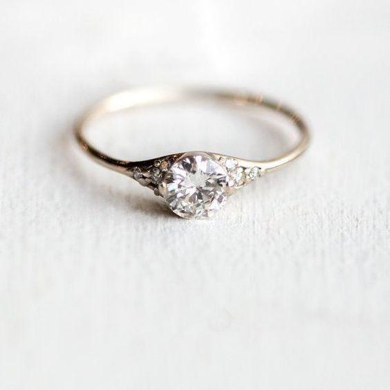 Anillo de compromiso, ¿con o sin diamante? 💍 1