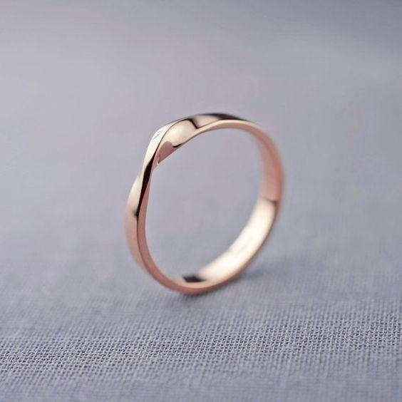 Anillo de compromiso, ¿con o sin diamante? 💍 2