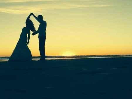 Bailando con la puesta de sol