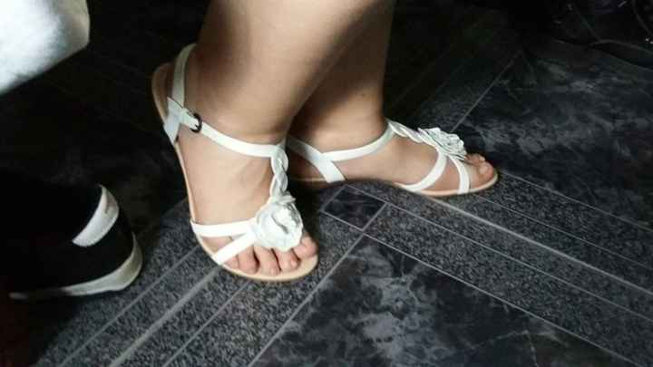sandalia nueva