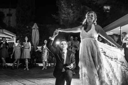Baile de novios. by Victor Lax