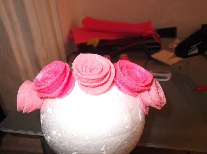 Tutorial topiario de flores de fieltro y tul 4
