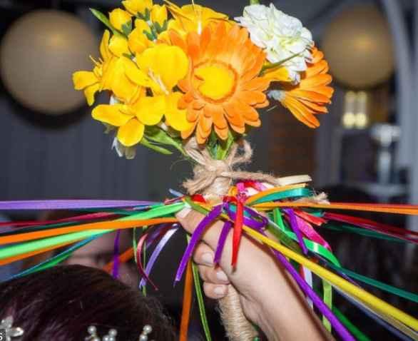 jugo de cintas ramo de novia