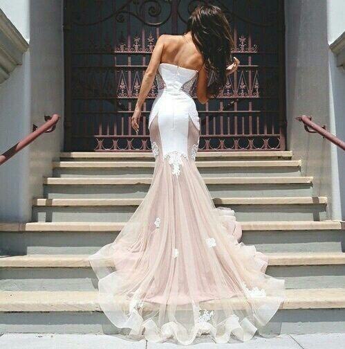 50 vestidos de novia en nude, la competencia del blanco
