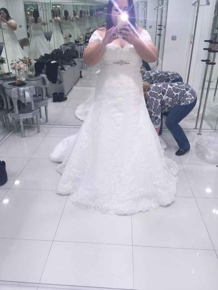 Duda con 2 vestidos - 2