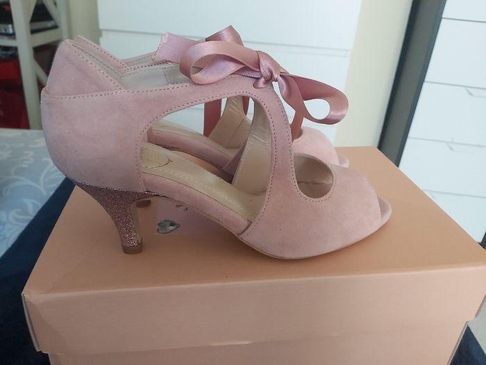 Zapatos novia en color 1