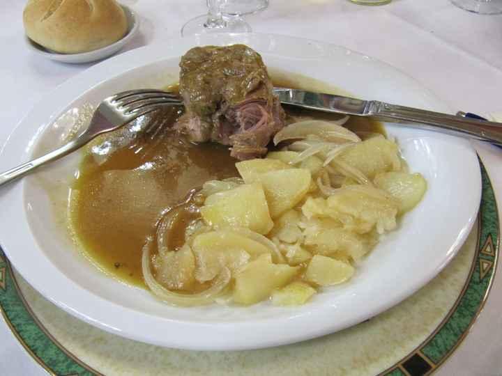 Prueba menú Salón Viher - codillo con patatas panaderas
