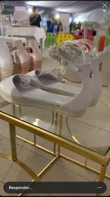 Zapatos planos o con muy poco tacón 14