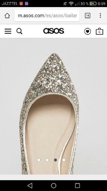 Zapatos blancos VS de color - 1