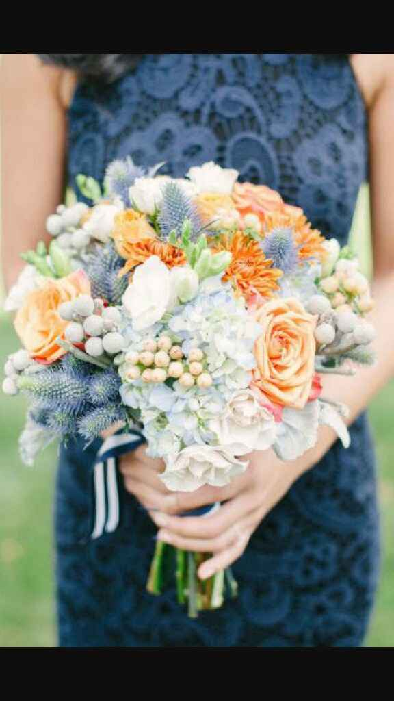 Pendientes azules y ramo. ¿qué flores y qué color? - 1