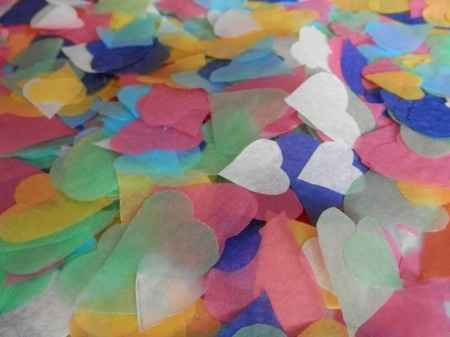 Mi confetti para la salida de la iglesia.